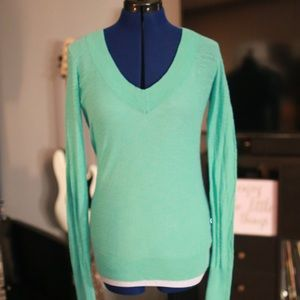 Express Lightweight V-Neck Sweater - Medium